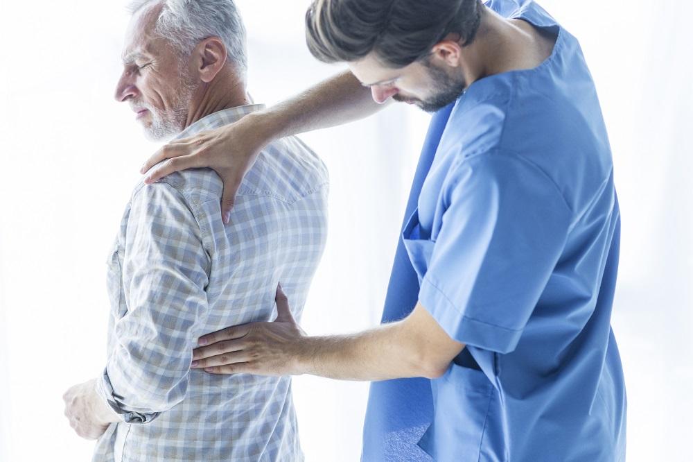 Tumores na coluna conheca os principais tipos, os sintomas e como funciona o tratamento